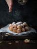 Castagnole al cioccolato bianco con lievito naturale (white chocolate sourdough castagnole)